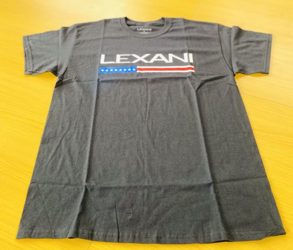 LEXANI US black logo Tシャツ
